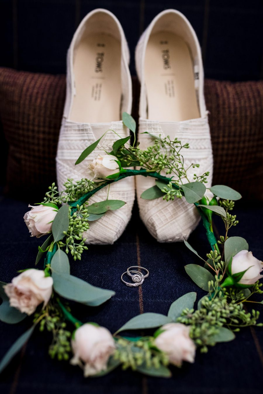 toms wedding shoes and wedding details